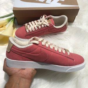 New Nike Blazer Low Top Shoe Women's Size 7
